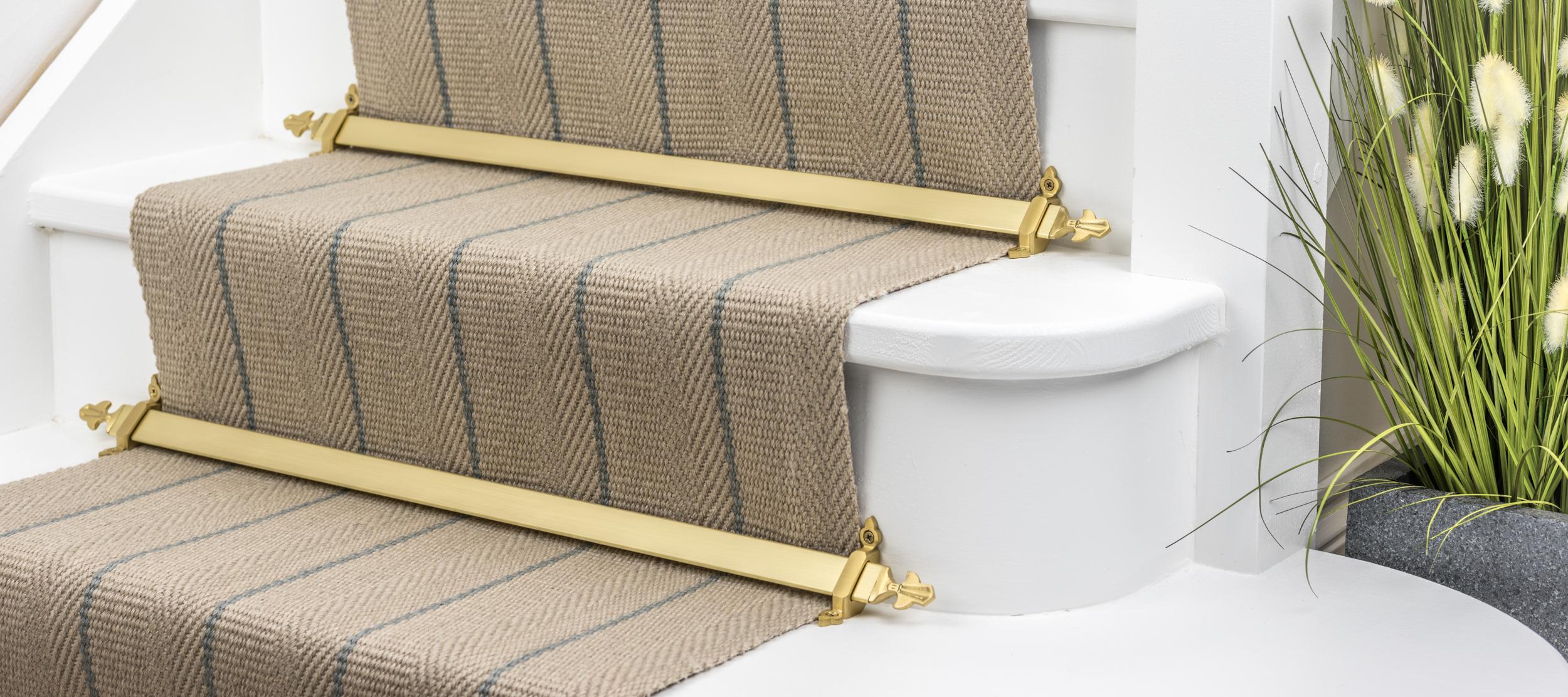 stairrods-satin-brasss-royale-louis.jpg