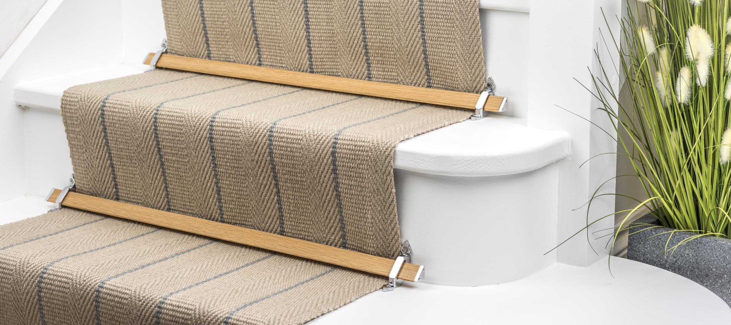 stairrods-chrome-light-oak-tudor.jpg