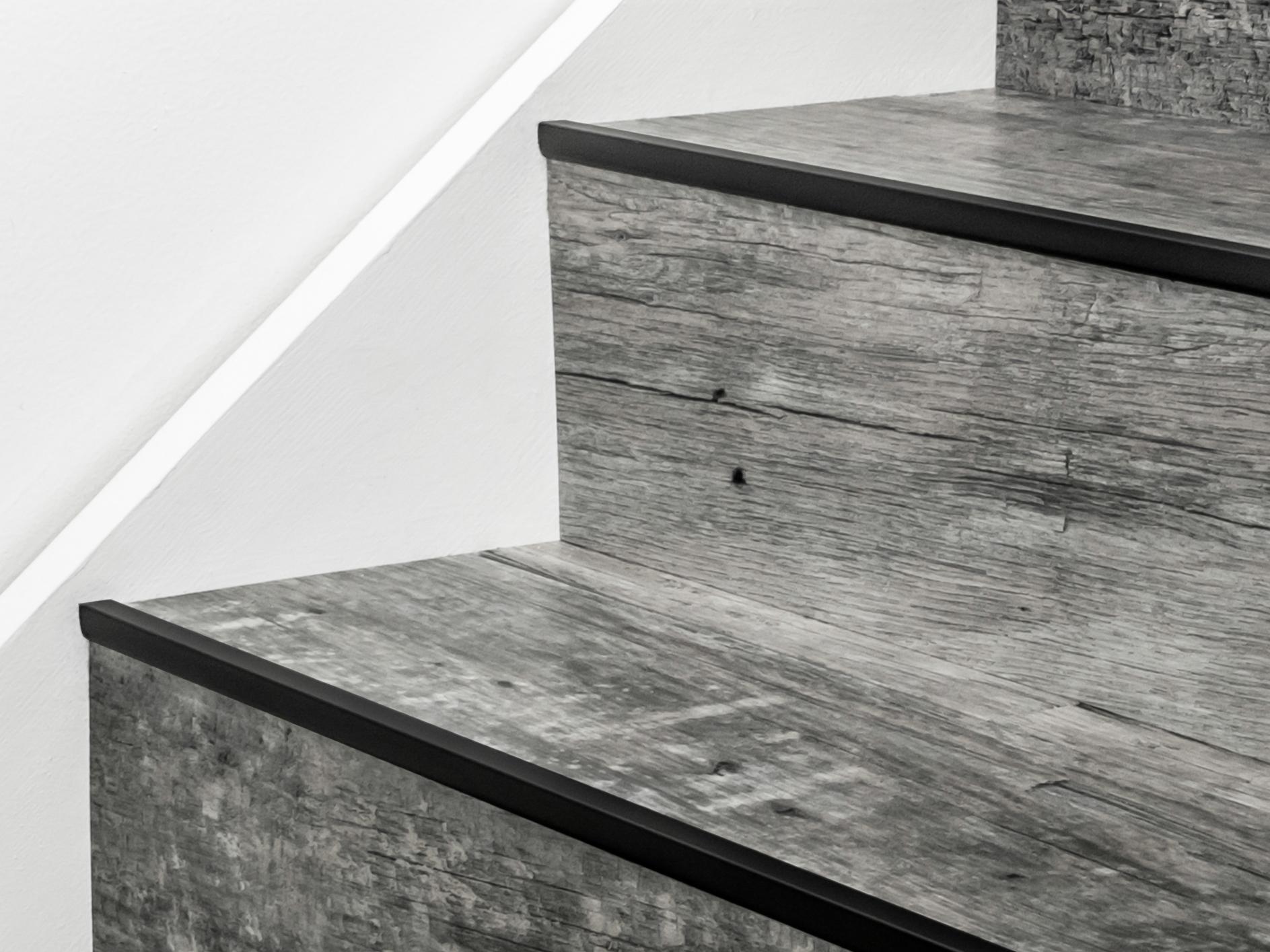 Stairrods-black-little-nose-stair.jpg