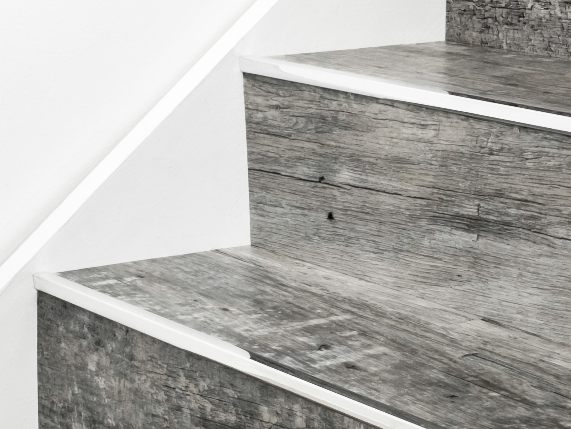 Stairrods-chrome-little-nose-stair.jpg