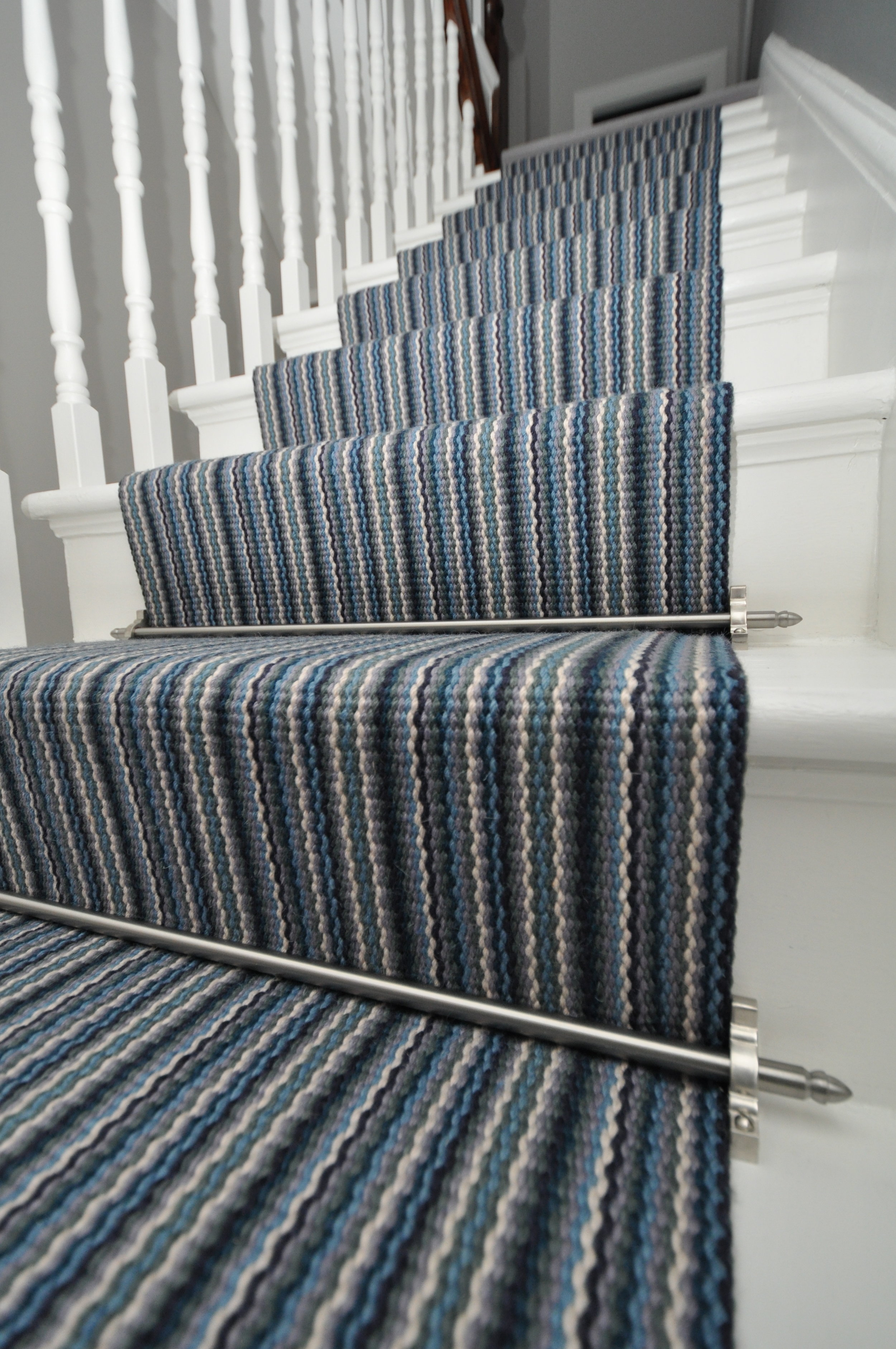 flatweave-stair-runners-london-bowloom-carpet-geometric-off-the-loom-DSC_1526.jpg