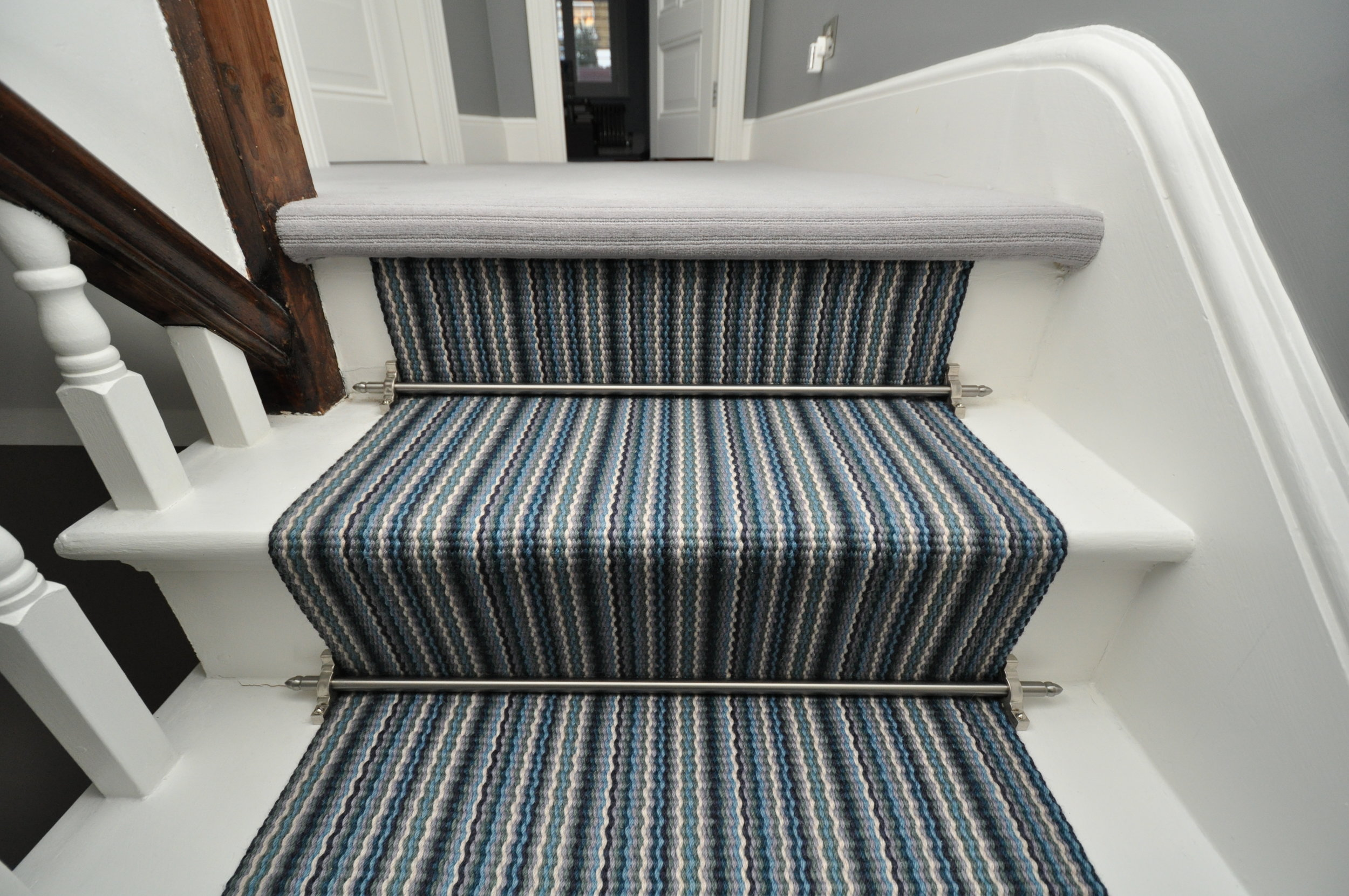 flatweave-stair-runners-london-bowloom-carpet-geometric-off-the-loom-DSC_1532.jpg