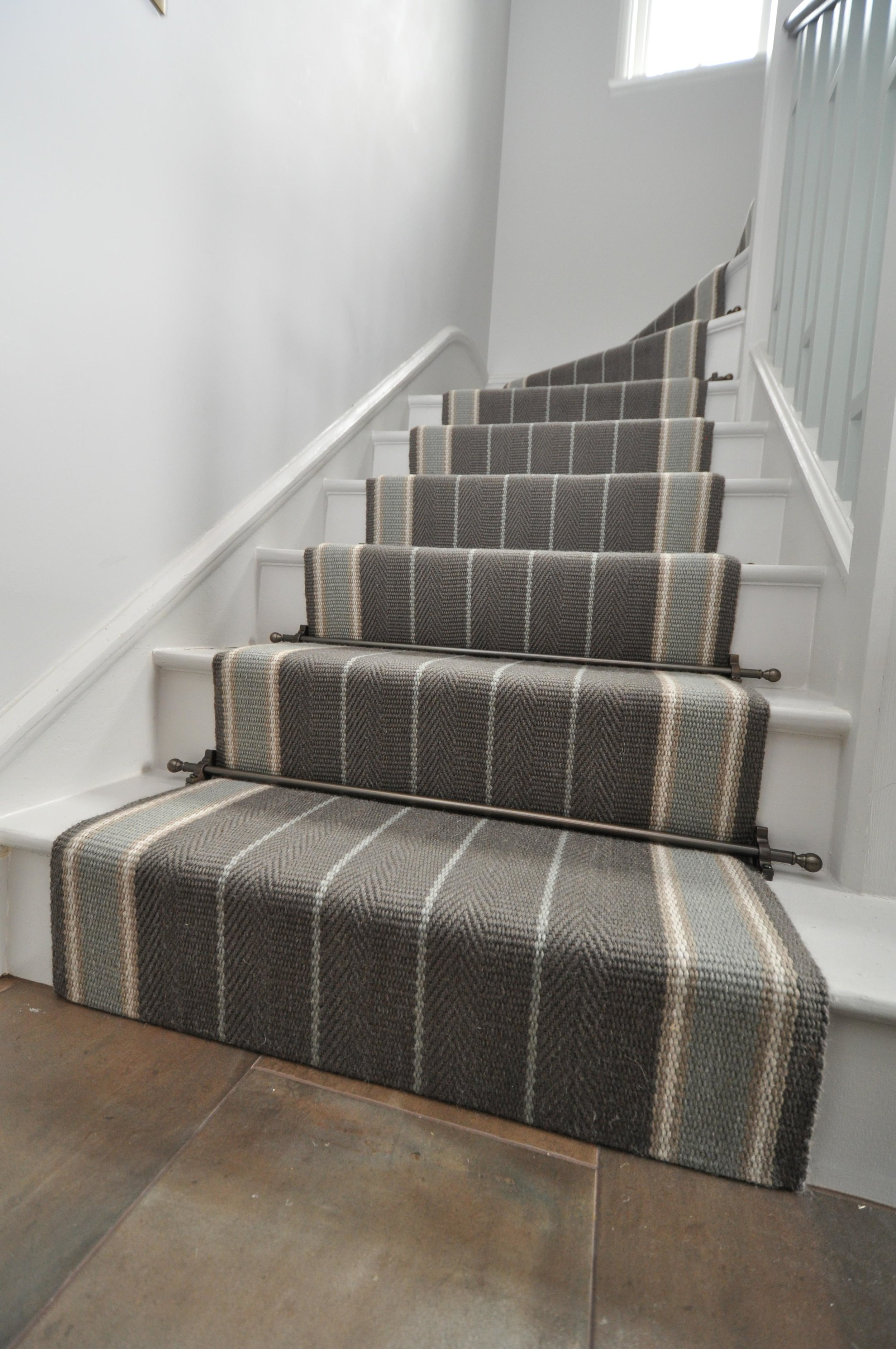flatweave-stair-runner-london-bowloom-carpet-off-the-loom-DSC_1504.jpg
