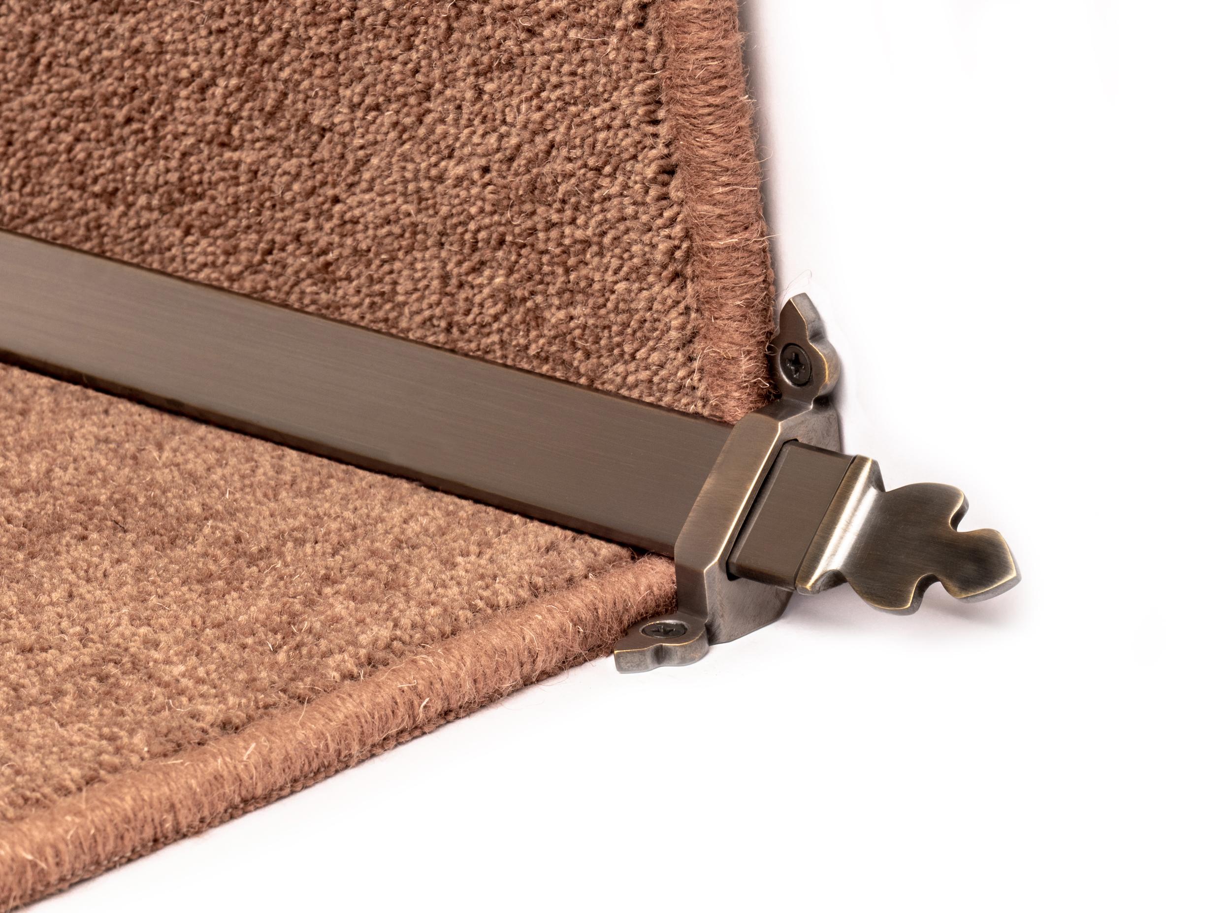 stairrods-bronze-royal-beaumont 1.jpg