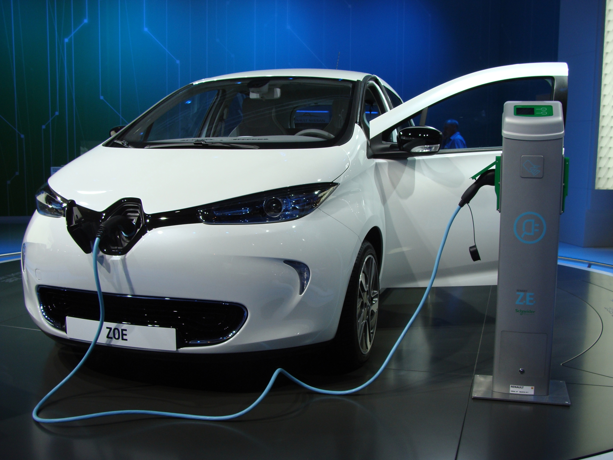 Renault_Zoe_on_MIAS_2012.JPG
