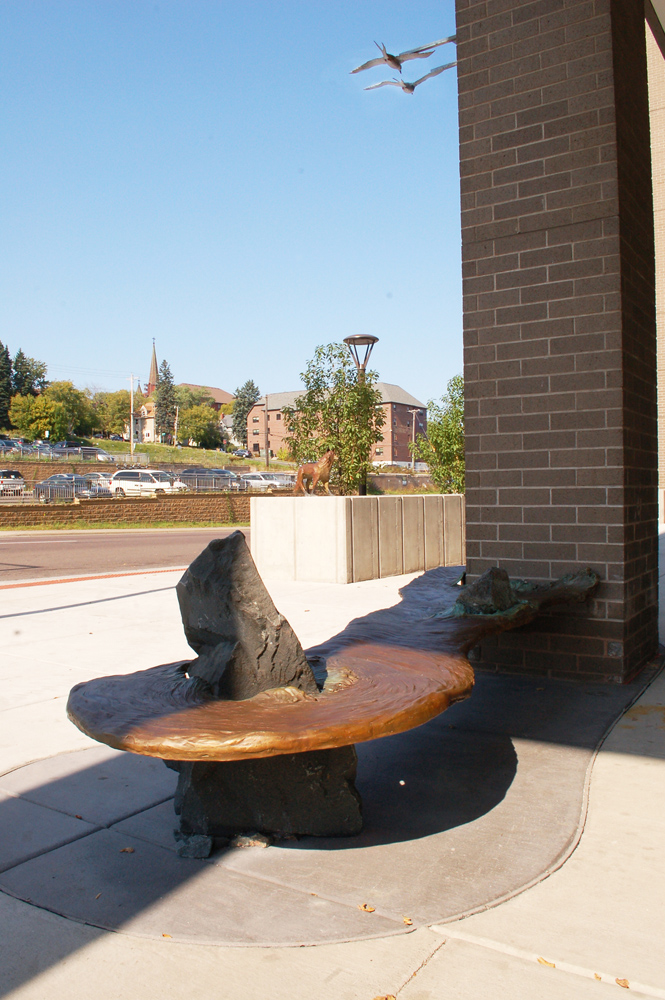 Estuary Plaza, Waters Bench
