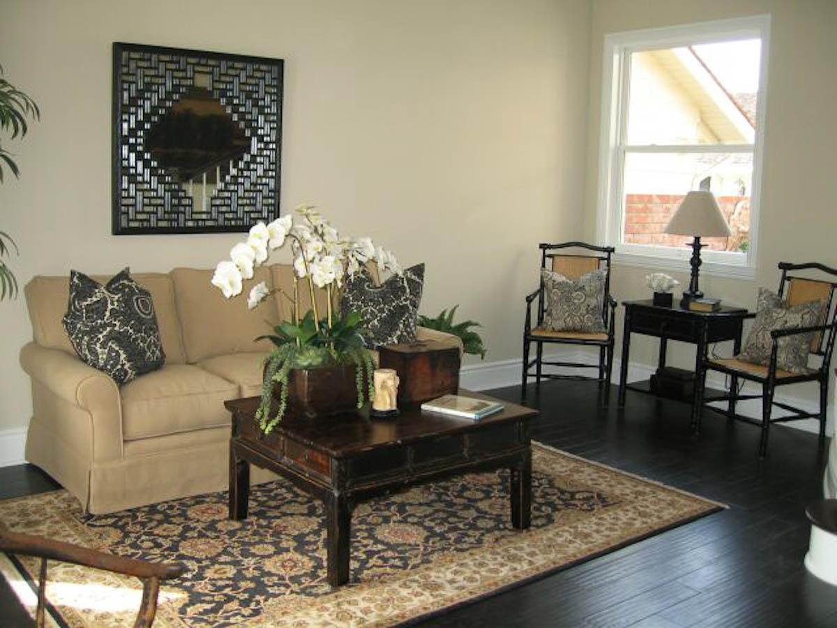 Poinsettia2-Livingroom-2.jpg