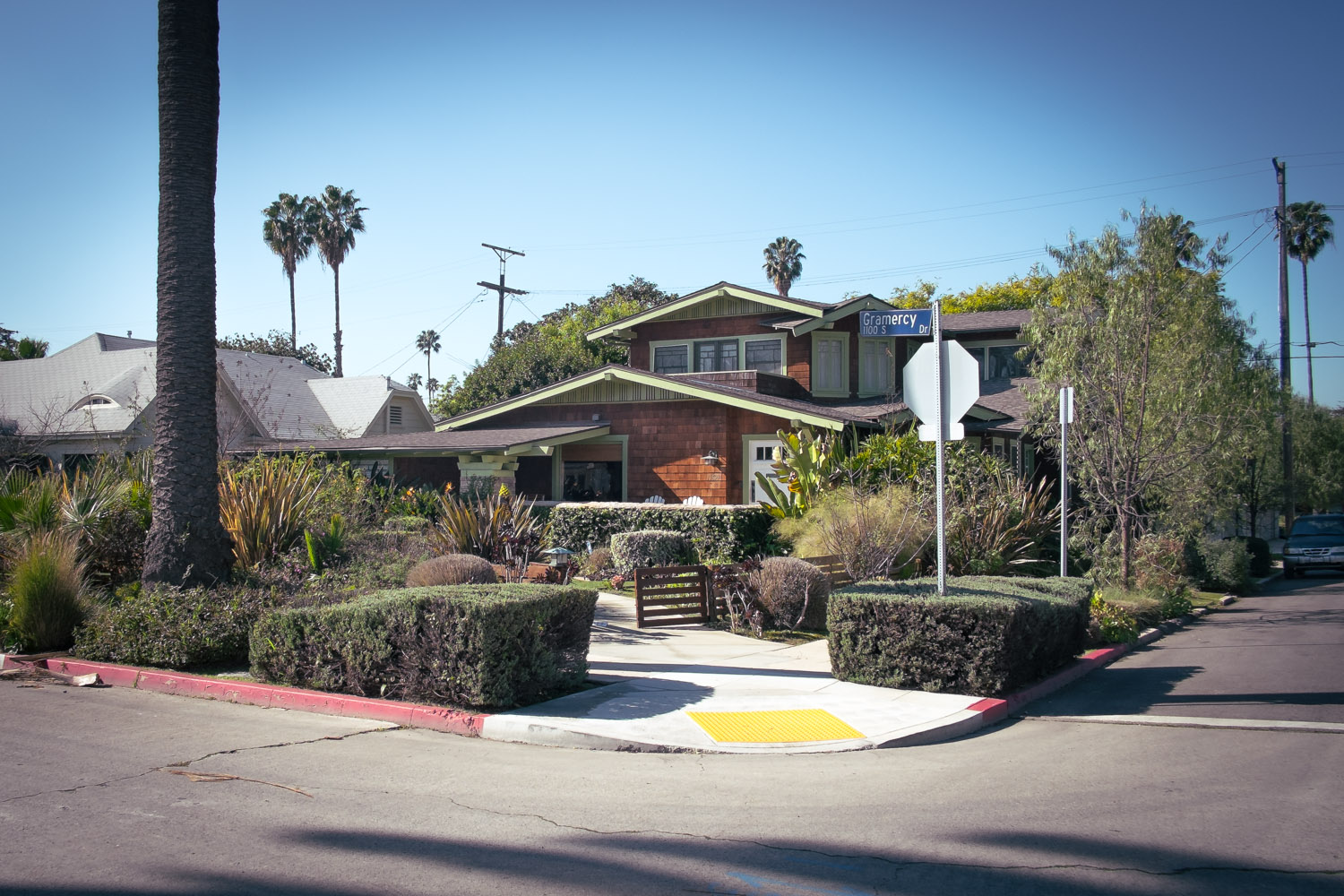 country-club-park-intersection-los-angeles.jpg
