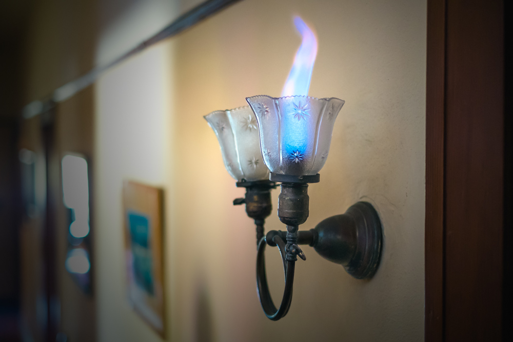 Gaslight in a 1908 Craftsman