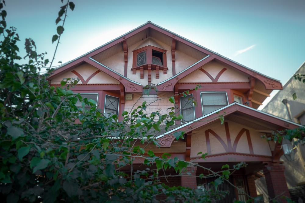 craftsman-home-harvard-heights-los-angeles.jpg