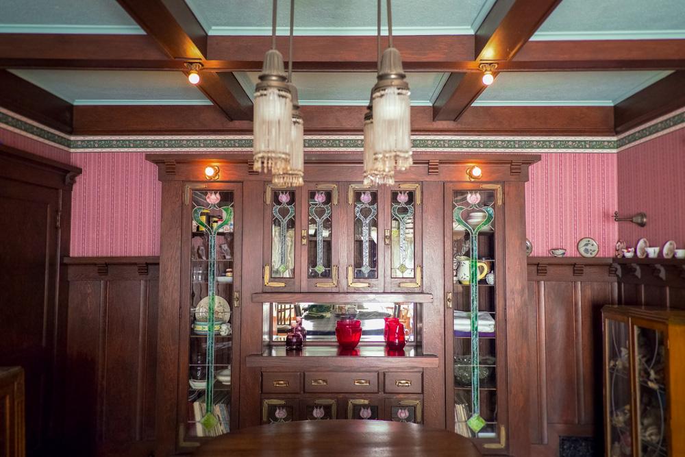 craftsman-dining-room-hutch.jpg
