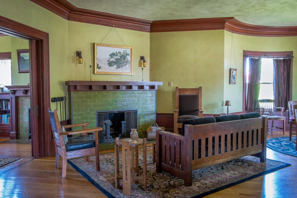 craftsman-livingroom-los-angeles.jpg