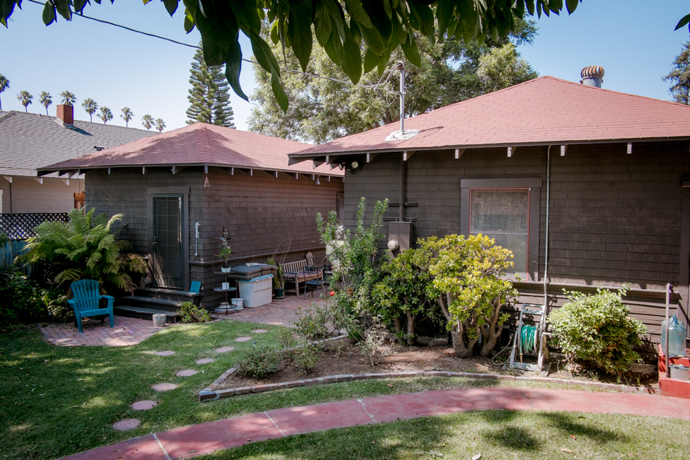 california-craftsman-los-angeles-rear.jpg