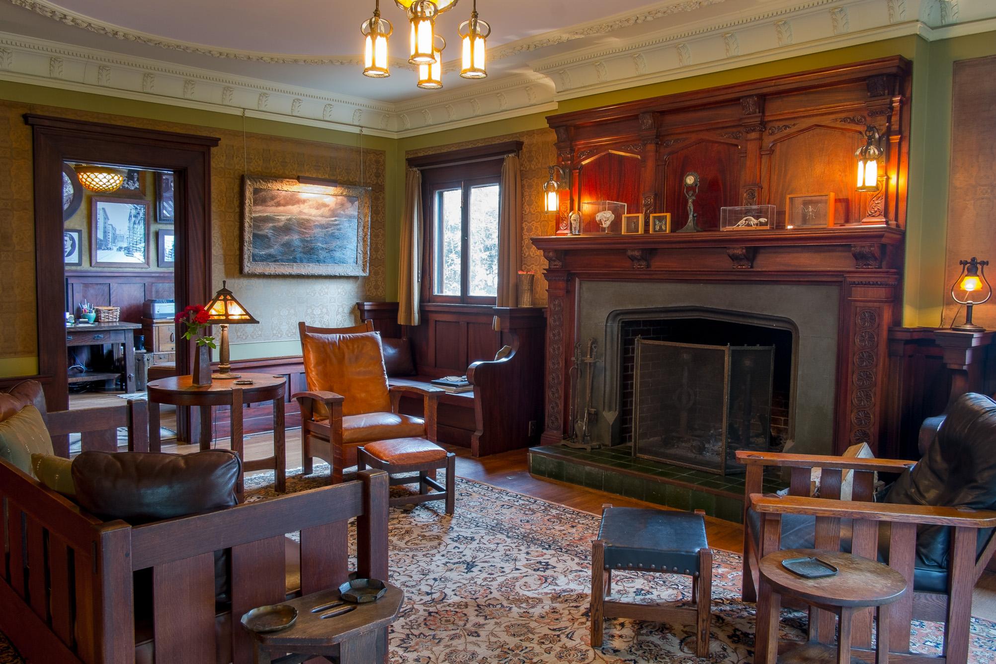 los-angeles-craftsman-living-room.jpg