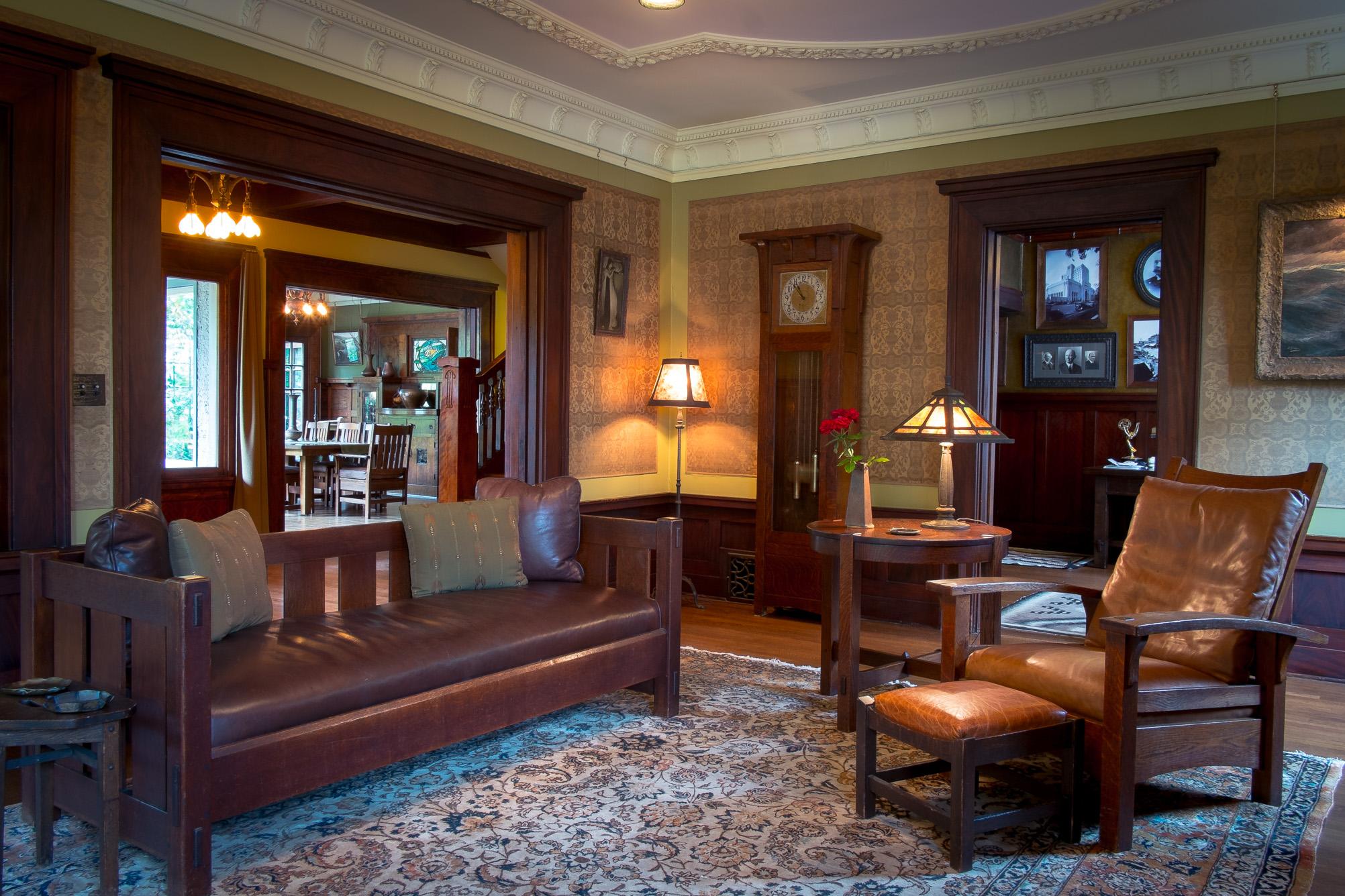craftsman-home-living-room.jpg