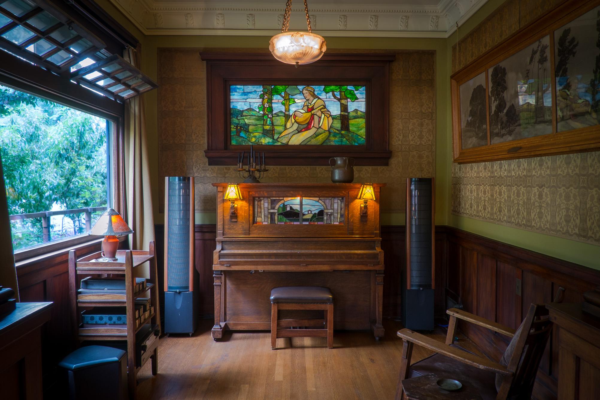 los-angeles-craftsman-music-room.jpg