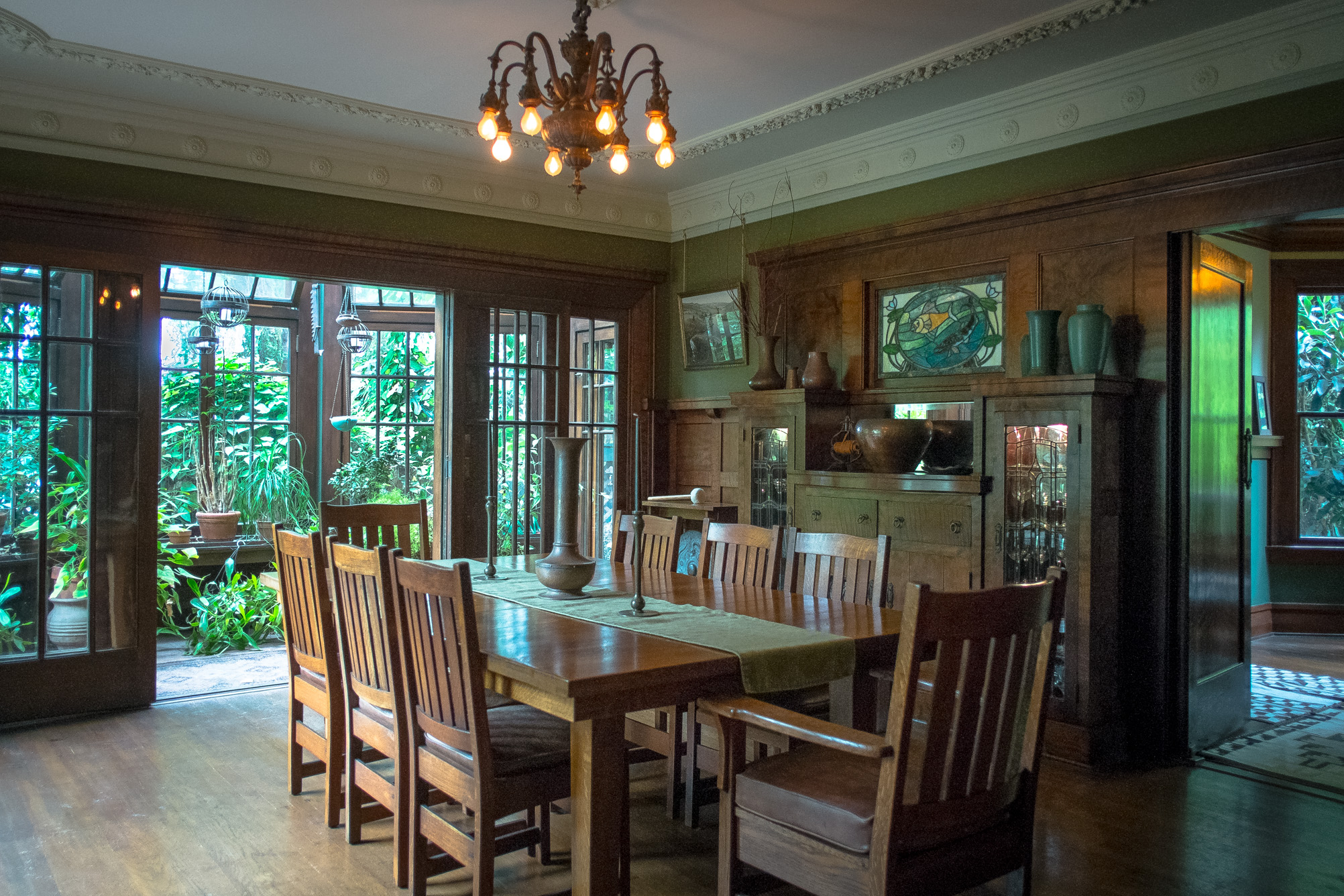 craftsman-home-dining-room.jpg