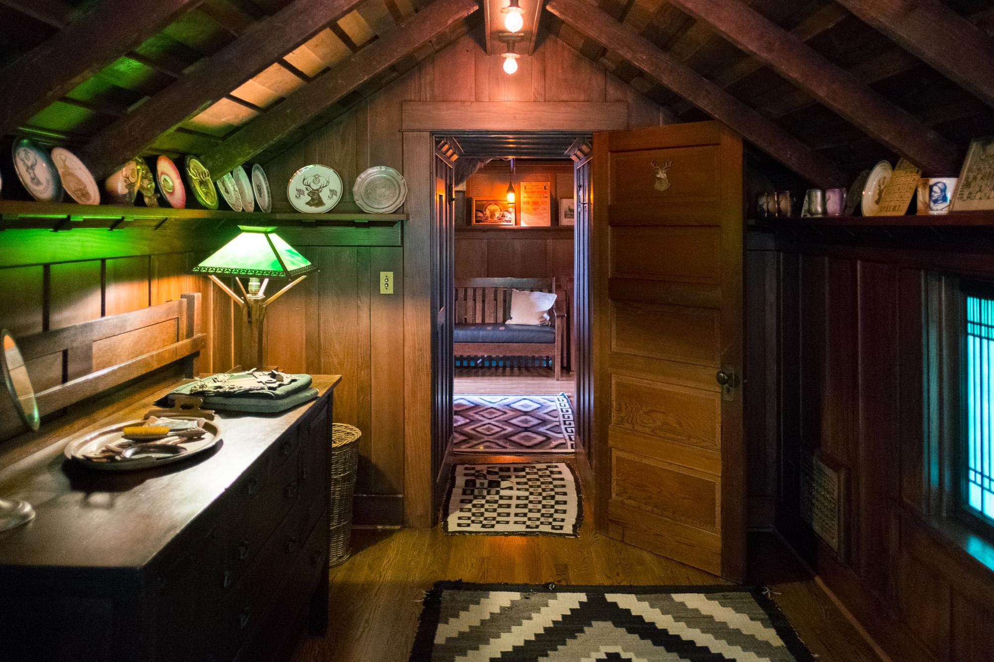 craftsman-attic-los-angeles.jpg