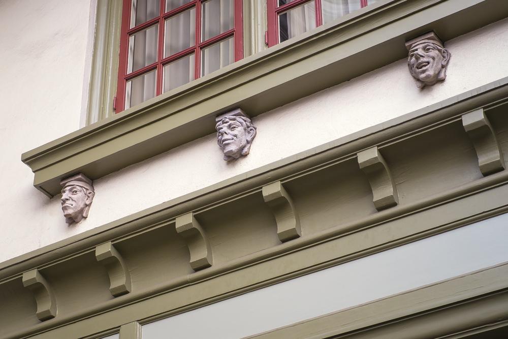 stone-statues-los-angeles.jpg