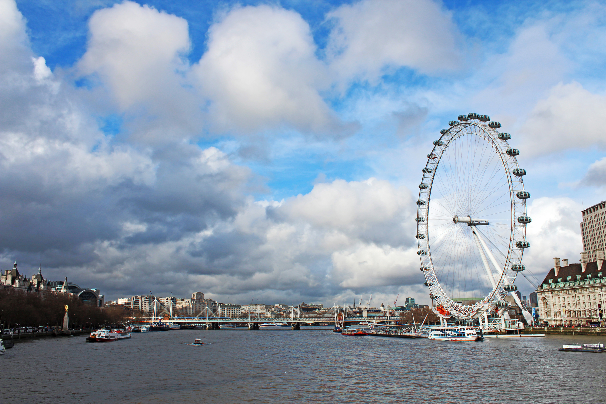 London Eye Thames 2.jpg