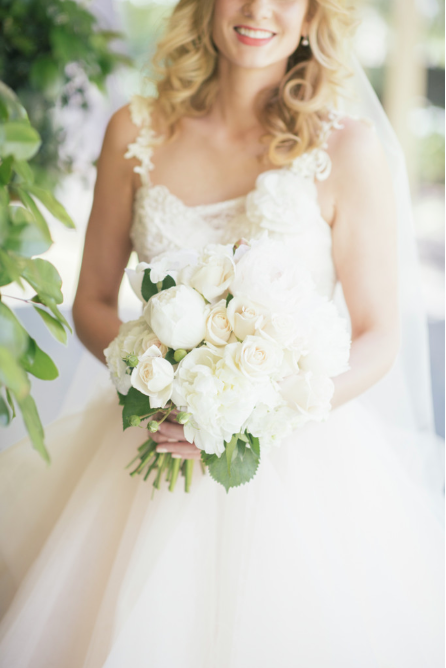 Bridal bouquet by Louise Woodhouse. Photo by Nicholas Purcell Studio