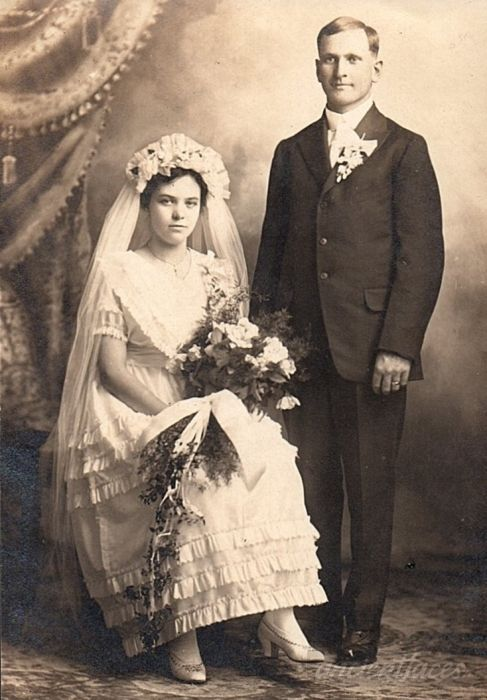 old-wedding-photo.jpg