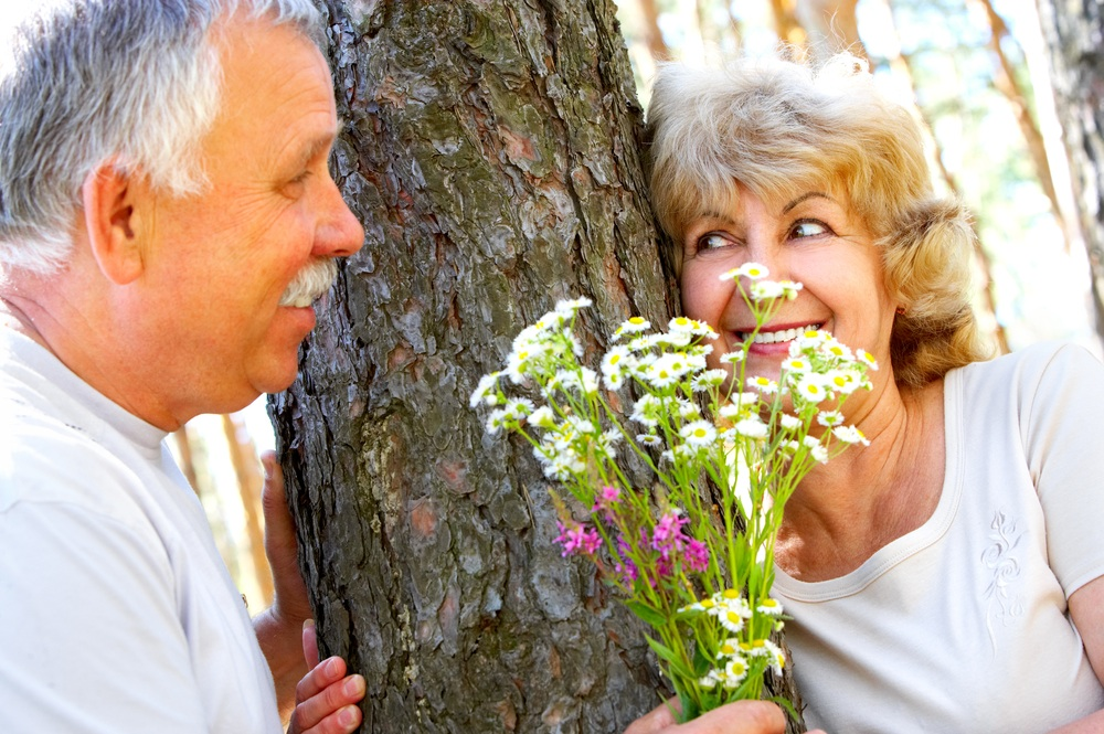 Happy couple flowers:tree.jpg