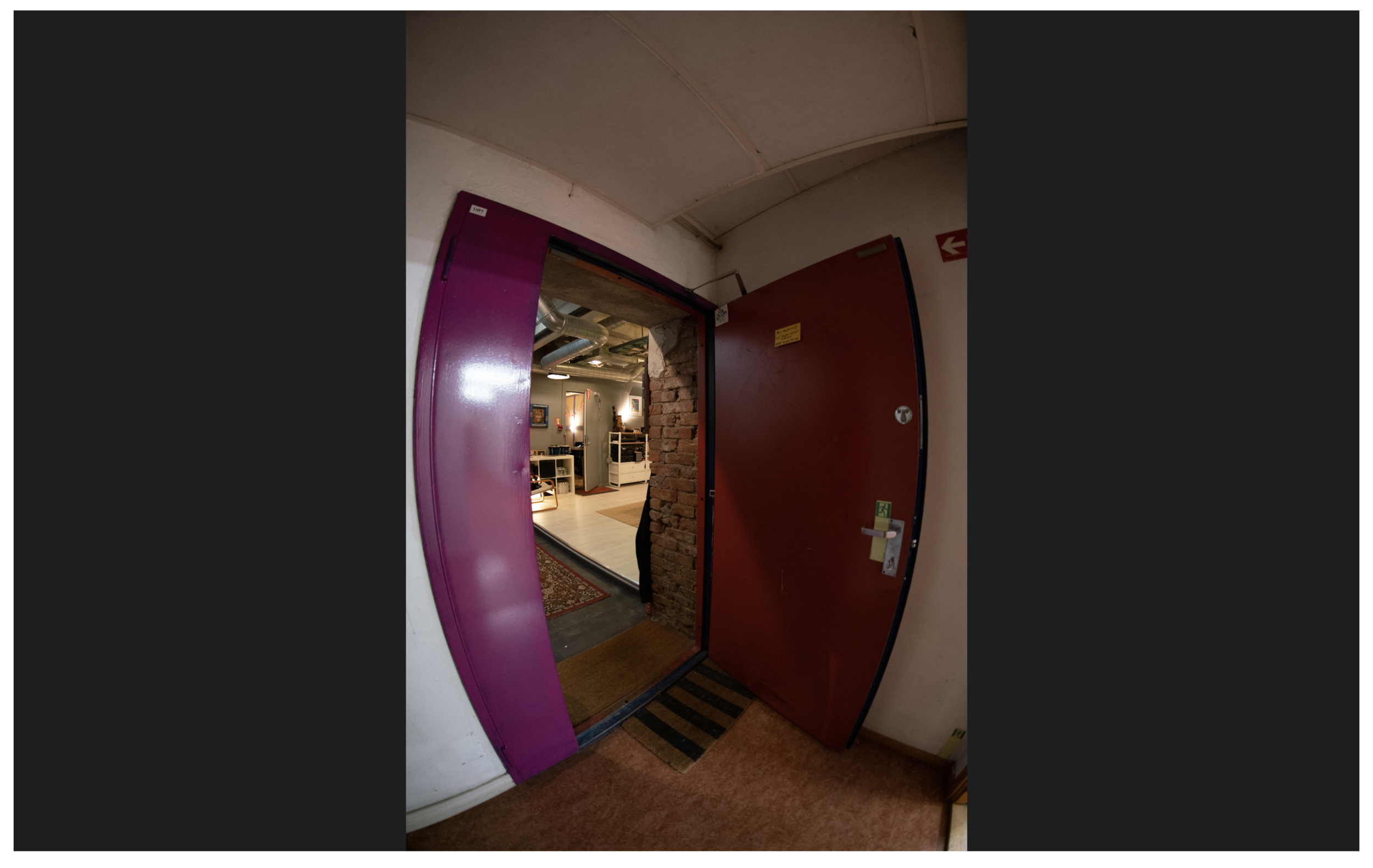 LUFT STUDIO :: Hoved døra inn.png