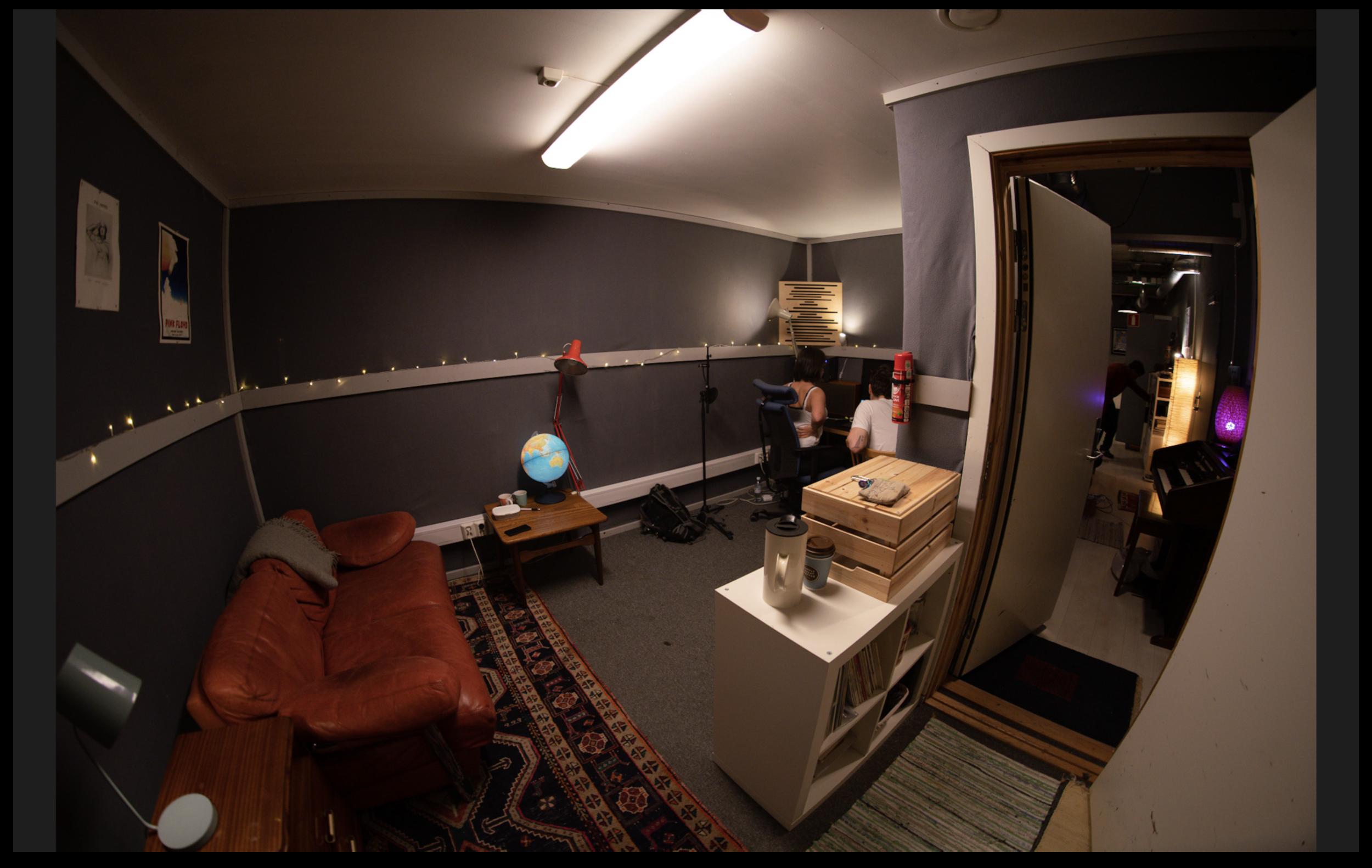 LUFT STUDIO :: Sassy009 studio.png