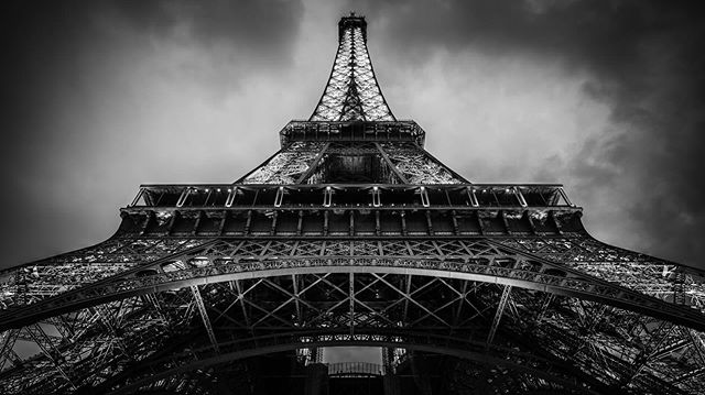 Viva la France!! 🇫🇷 #paris #eiffeltower #cityscape #france #sonya7r #17mm #architecture #wideangle #travel #bnw #blackandwhite #throwback #sunday #is #dead