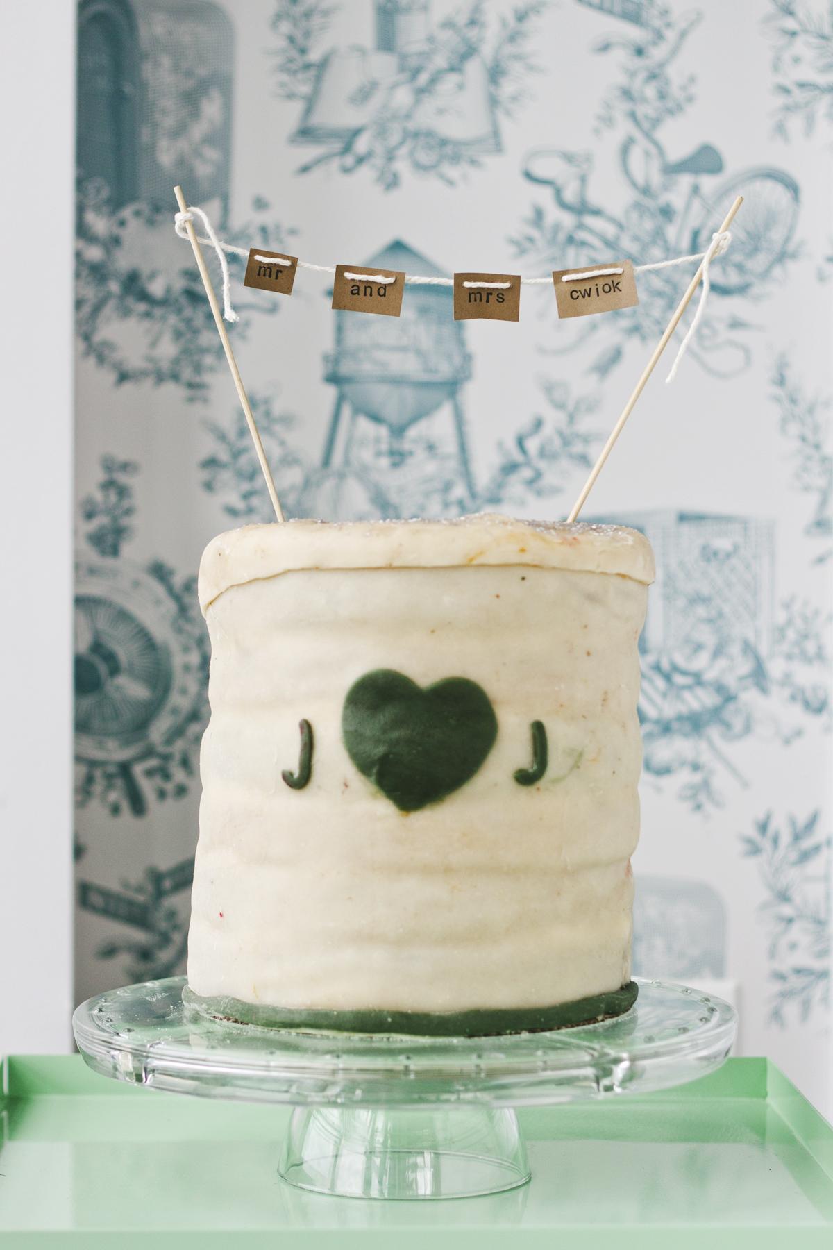 1304-wedding-cake-3.jpg