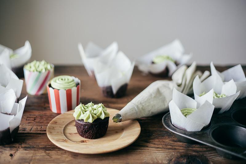 chocolate-cupcake-matcha-frosting-4.jpg