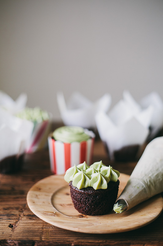 chocolate-cupcake-matcha-frosting-7.jpg