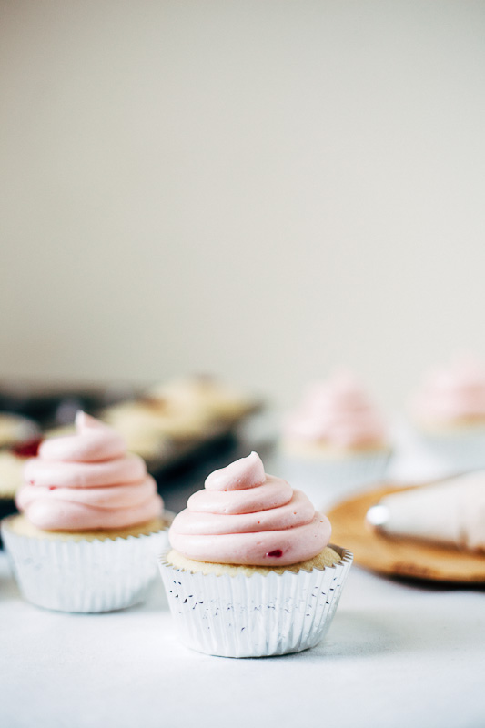 strawberry-hi-hat-cupcakes-8.jpg