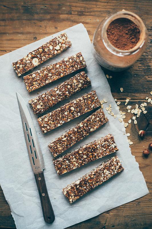 hazelnut-cocoa-granola-bars-1.jpg