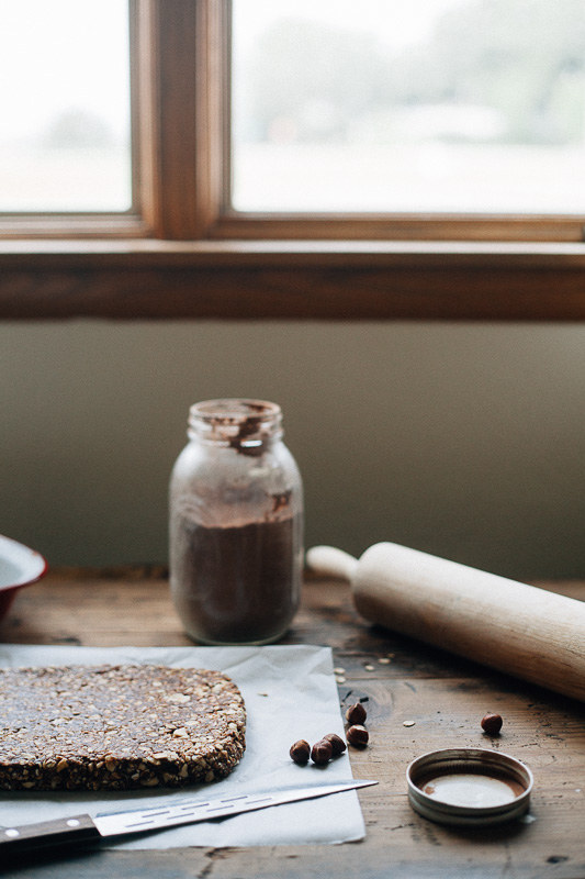 hazelnut-cocoa-granola-bars-8.jpg