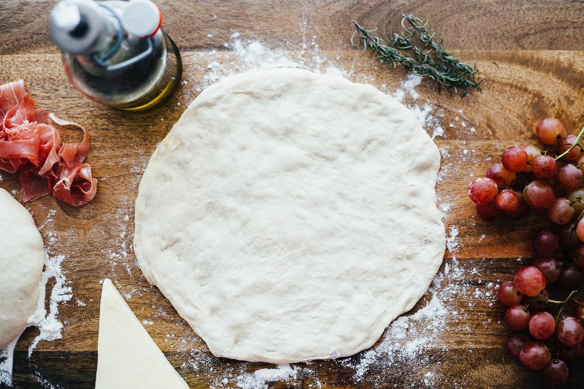 prosciutto-grape-pizza-4.jpg