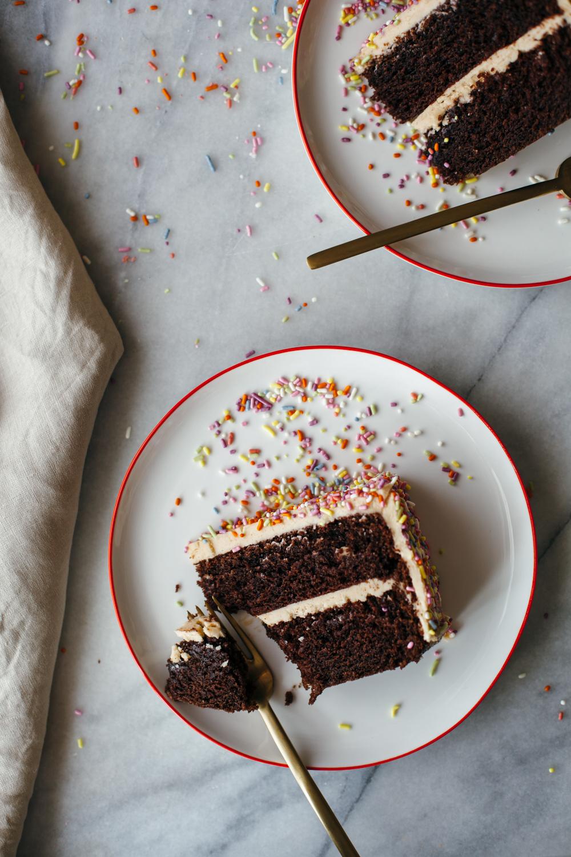 chocolate peanut butter cake-3.jpg