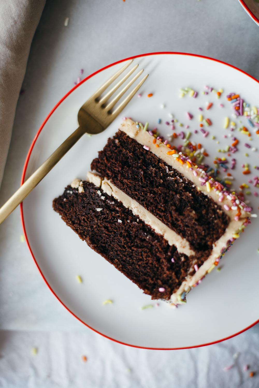 chocolate peanut butter cake-4.jpg