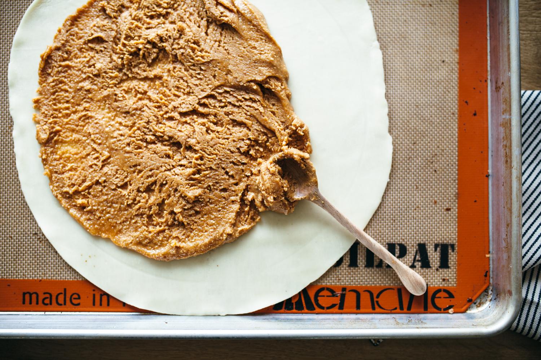 peanut butter grape galette-3.jpg
