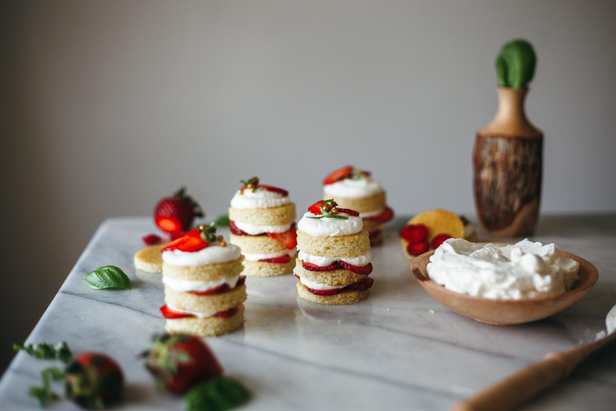 strawberry cake 2-1.jpg