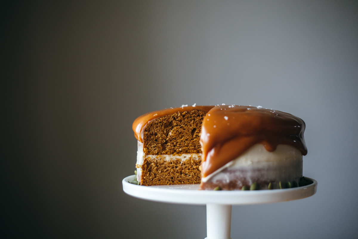 pumpkin cake with cream cheese frosting-5.jpg