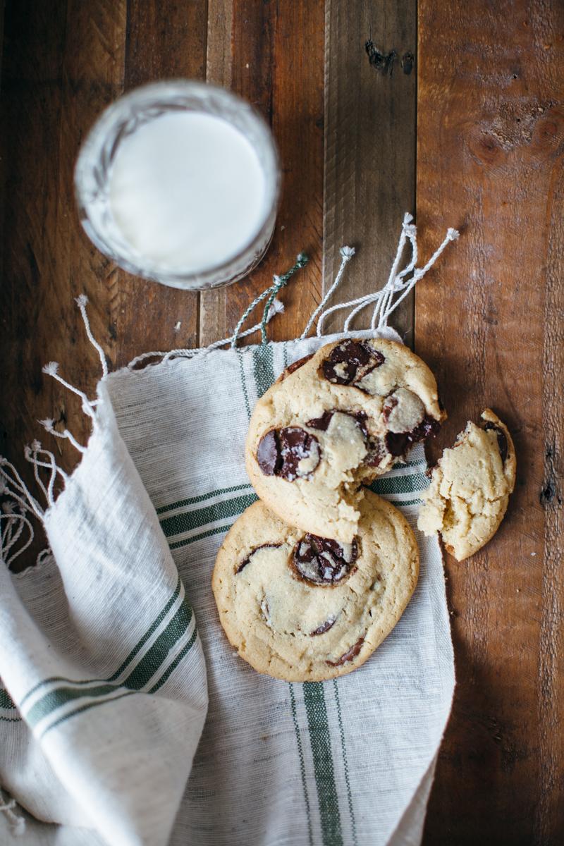 tahini chocolate chip cookies-4.jpg