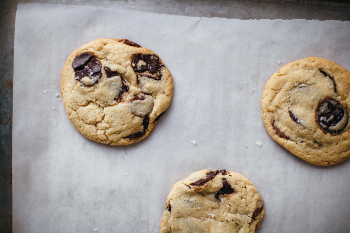 tahini chocolate chip cookies-1.jpg