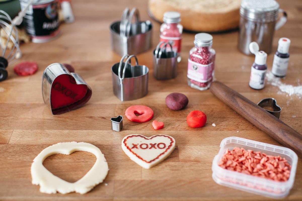 valentine almond cake-5.jpg
