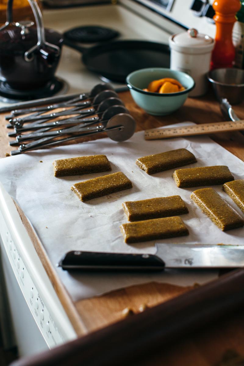 pistachio chocolate bars-7.jpg