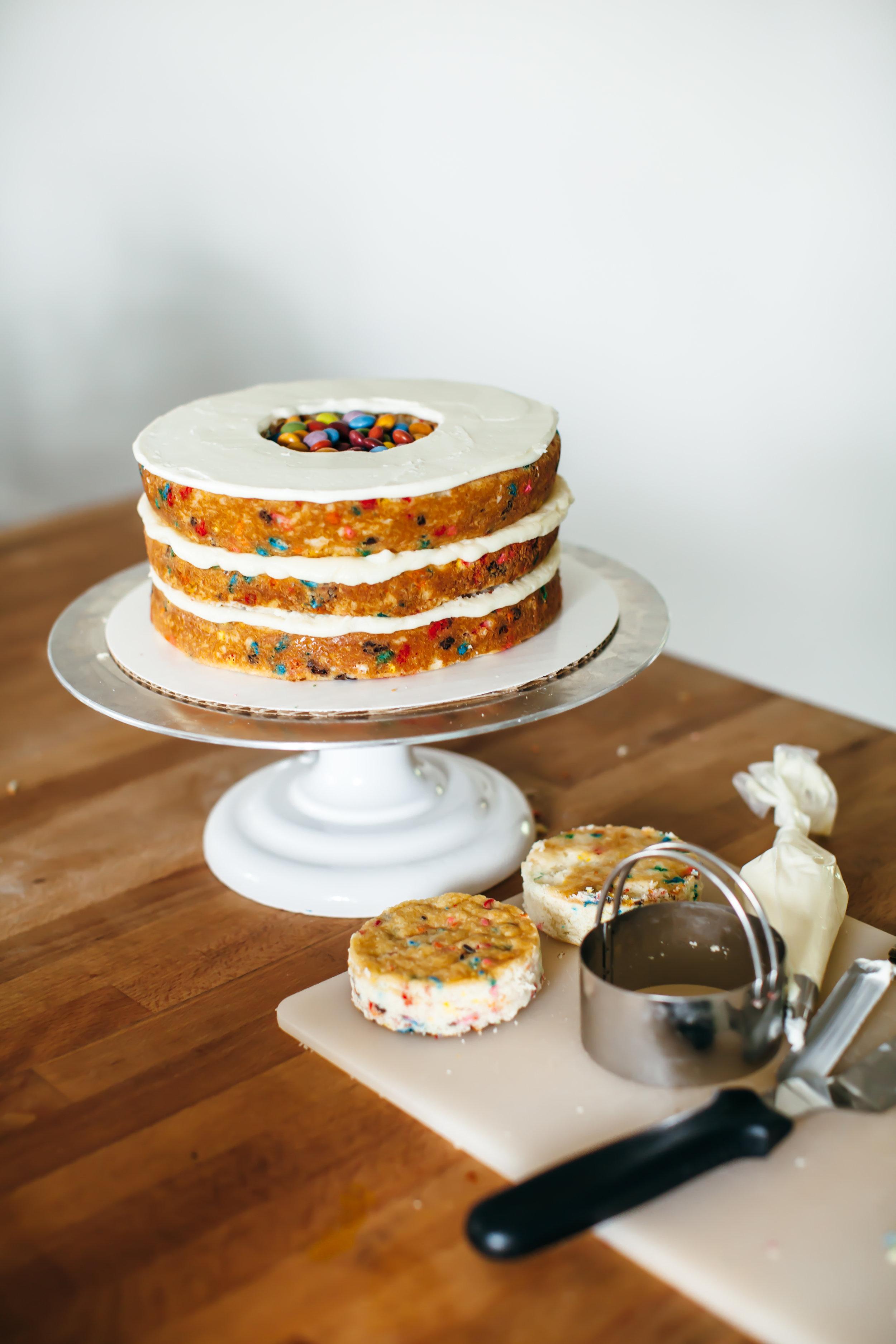 pinata cake-5.jpg