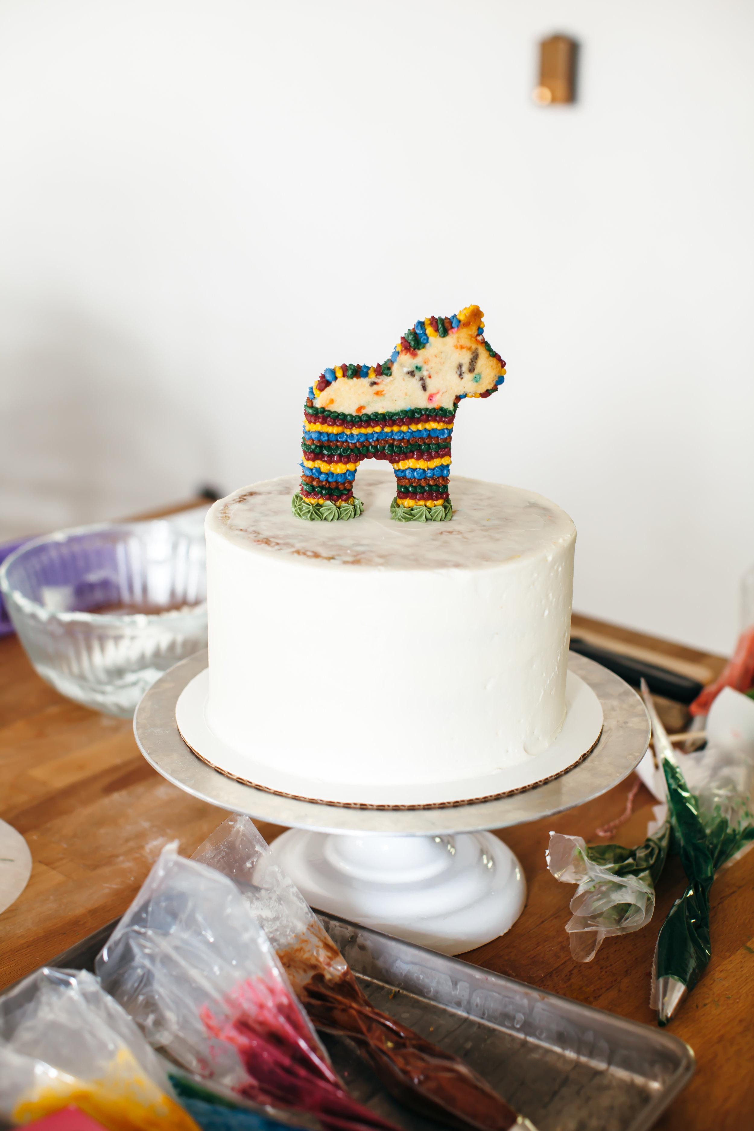pinata cake-9.jpg