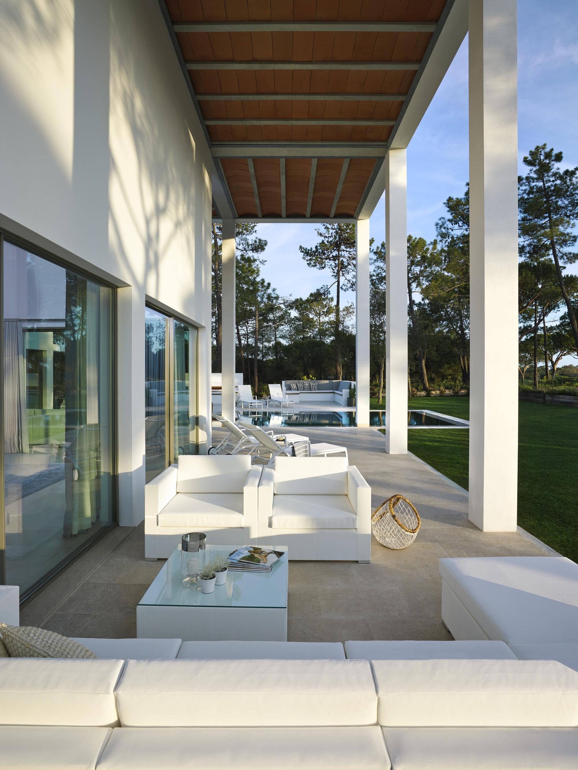 520a3825e8e44e80d100004e_san-lorenzo-house-de-blacam-and-meagher-architects_sln_4.jpg