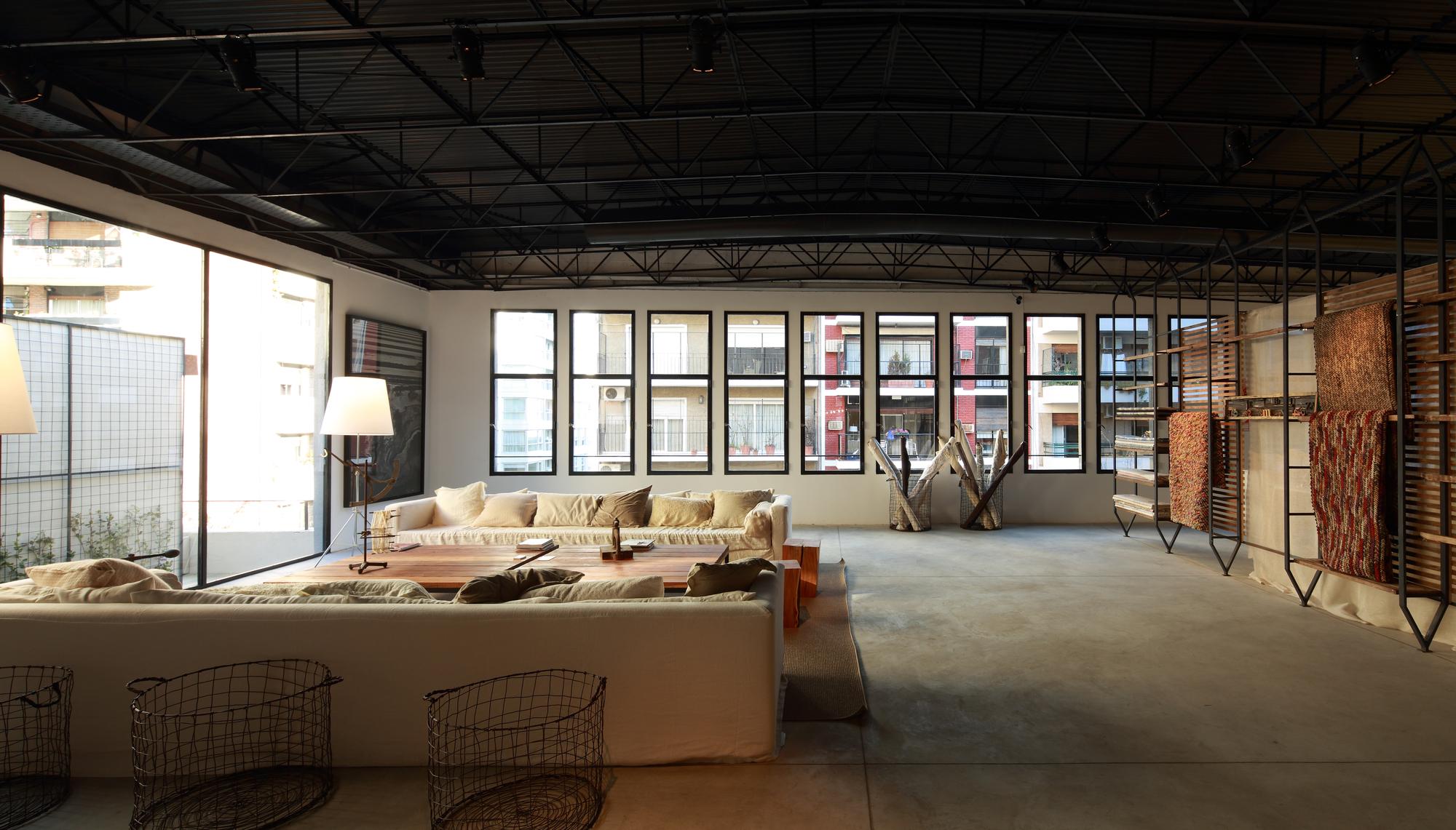 521cbd70e8e44eeb1b000066_textiles-del-sur-offices-ana-smud_living.jpg